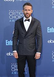 Ryan Reynolds  bei der Verleihung der 22. Critics' Choice Awards in Los Angeles / 111216