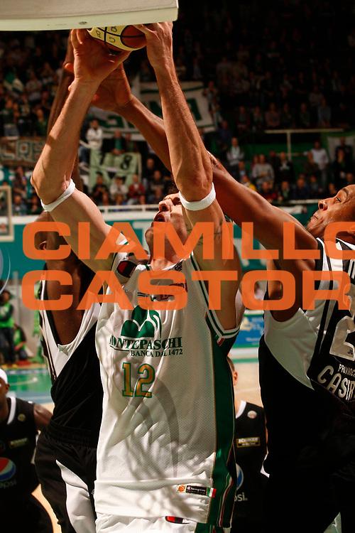 DESCRIZIONE : Siena Lega A 2010-11 Montepaschi Siena Pepsi Caserta<br /> GIOCATORE : Ksistof Lavrinovic<br /> SQUADRA : Montepaschi Siena<br /> EVENTO : Campionato Lega A 2010-2011 <br /> GARA : Montepaschi Siena Pepsi Caserta<br /> DATA : 07/11/2010<br /> CATEGORIA : tiro<br /> SPORT : Pallacanestro <br /> AUTORE : Agenzia Ciamillo-Castoria/P.Lazzeroni<br /> Galleria : Lega Basket A 2010-2011  <br /> Fotonotizia : Siena Lega A 2010-11 Montepaschi Siena Pepsi Caserta<br /> Predefinita :