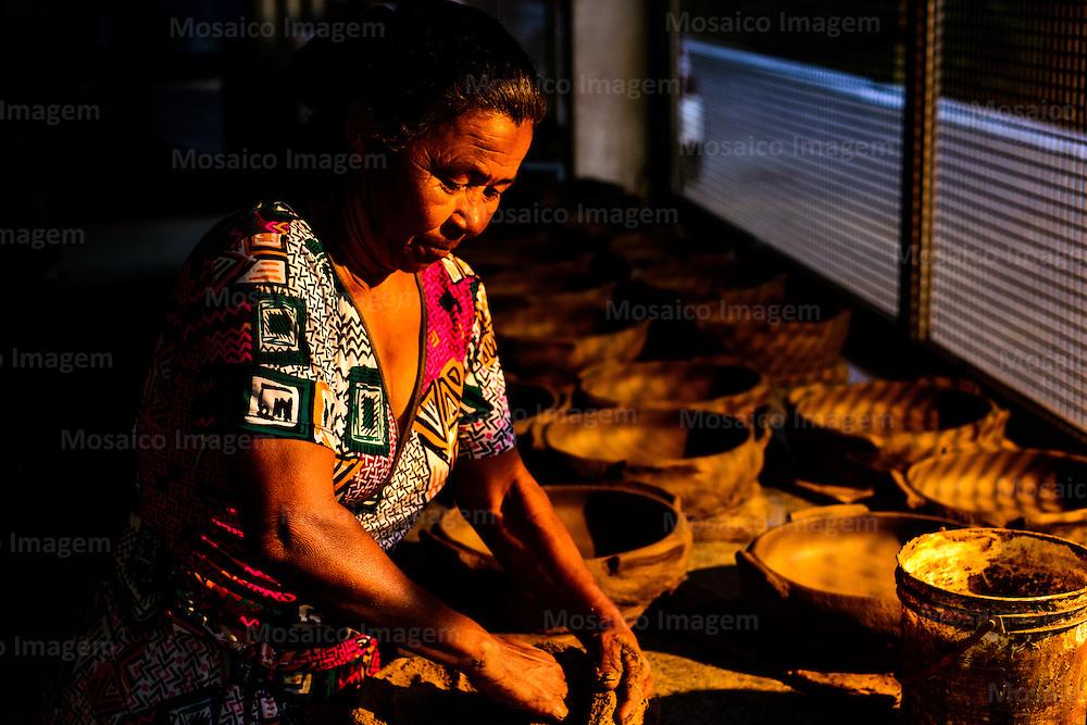 Brasil - Espirito Santo - Vitoria - Paneleiras de Goiabeiras - Foto: Gabriel Lordello/ Mosaico Imagem