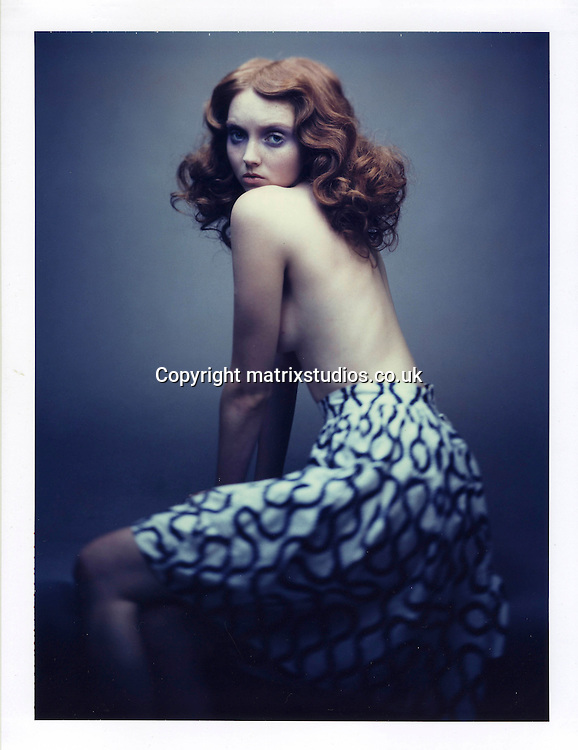 EXCLUSIVE PICTURE: MATRIXSTUDIOS.CO.UK.PLEASE CREDIT ALL USES..WORLD RIGHTS..***FEES TO BE AGREED BEFORE USE***..English model and actress Lily Cole Studio Shoot. .REF: LBS 121392