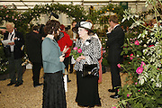 SUSAN RUSHTON AND BARONESS FOULKES, Press Preview of the RHS Chelsea Flower Show sponsored by Saga Insurance Services. Royal Hospital Rd. London. 22 May 2006. ONE TIME USE ONLY - DO NOT ARCHIVE  © Copyright Photograph by Dafydd Jones 66 Stockwell Park Rd. London SW9 0DA Tel 020 7733 0108 www.dafjones.com