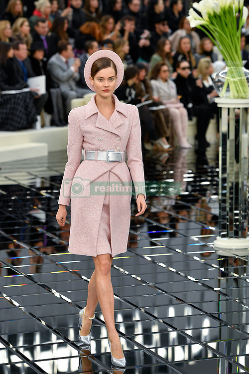 PARIS, Jan. 24, 2017  A model presents a creation during the Chanel Haute Couture Spring/Summer 2017 fashion collection in Paris, France on Jan. 24, 2017.  zhf) (Credit Image: © Chen Yichen/Xinhua via ZUMA Wire)