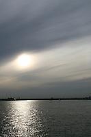 Evening sunlight over the Hudson River, New York, USA
