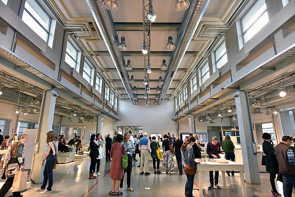 Nederland, the Netherlands, Eindhoven, 19-10-2014Tijdens de Dutch designweek kan het publiek in de Witte Dame het eindexamenwerk zien van de studenten van de designacademie. Projecten van alle afgestudeerden van Design Academy FOTO: FLIP FRANSSEN/ HOLLANDSE HOOGTE