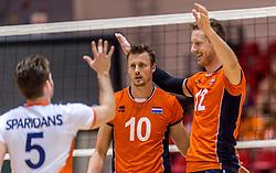 05-06-2016 NED: Nederland - Duitsland, Doetinchem<br /> Nederland speelt de laatste oefenwedstrijd ook in  Doetinchem en speelt gelijk 2-2 in een redelijk duel van beide kanten / Jeroen Rauwerdink #10, Kay van Dijk #12