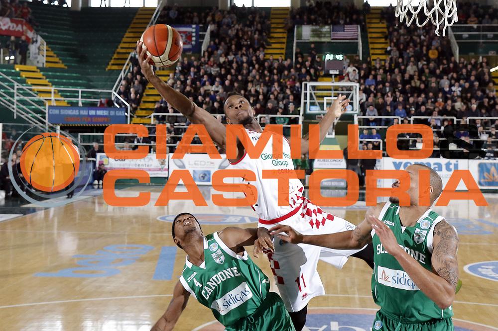 DESCRIZIONE : Avellino Lega A 2015-16 Sidigas Avellino Giorgio Tesi Group PistoiaGIOCATORE : Eric LombardiCATEGORIA : rimbalzoSQUADRA : Giorgio Tesi Group PistoiaEVENTO : Campionato Lega A 2015-2016GARA : Sidigas Avellino Giorgio Tesi Group PistoiaDATA : 07/02/2016SPORT : Pallacanestro AUTORE : Agenzia Ciamillo-Castoria/A. De LiseGalleria : Lega Basket A 2015-2016 Fotonotizia : Avellino Lega A 2015-16 Sidigas Avellino Giorgio Tesi Group Pistoia