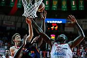 DESCRIZIONE : Varese Lega A 2013-14 Cimberio Varese Acea Virtus Roma<br /> GIOCATORE : Franklin Hassel<br /> CATEGORIA : Rimbalzo<br /> SQUADRA : Cimberio Varese<br /> EVENTO : Campionato Lega A 2013-2014<br /> GARA : Cimberio Varese Acea Virtus Roma<br /> DATA : 12/01/2014<br /> SPORT : Pallacanestro <br /> AUTORE : Agenzia Ciamillo-Castoria/G.Cottini<br /> Galleria : Lega Basket A 2013-2014  <br /> Fotonotizia : Varese Lega A 2013-14 Cimberio Varese Acea Virtus Roma<br /> Predefinita :