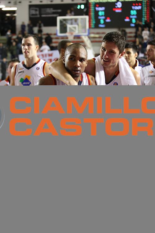 DESCRIZIONE : Roma Campionato Lega A 2013-14 Acea Virtus Roma EA7 Emporio Armani Milano <br /> GIOCATORE : Phil Goss<br /> CATEGORIA : esultanza <br /> SQUADRA : Acea Virtus Roma<br /> EVENTO : Campionato Lega A 2013-2014<br /> GARA : Acea Virtus Roma EA7 Emporio Armani Milano <br /> DATA : 02/12/2013<br /> SPORT : Pallacanestro<br /> AUTORE : Agenzia Ciamillo-Castoria/M.Simoni<br /> Galleria : Lega Basket A 2013-2014<br /> Fotonotizia : Roma Campionato Lega A 2013-14 Acea Virtus Roma EA7 Emporio Armani Milano <br /> Predefinita :