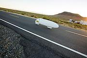 Aurelien Bonneteau tijdens de vijfde racedag. In Battle Mountain (Nevada) wordt ieder jaar de World Human Powered Speed Challenge gehouden. Tijdens deze wedstrijd wordt geprobeerd zo hard mogelijk te fietsen op pure menskracht. Het huidige record staat sinds 2015 op naam van de Canadees Todd Reichert die 139,45 km/h reed. De deelnemers bestaan zowel uit teams van universiteiten als uit hobbyisten. Met de gestroomlijnde fietsen willen ze laten zien wat mogelijk is met menskracht. De speciale ligfietsen kunnen gezien worden als de Formule 1 van het fietsen. De kennis die wordt opgedaan wordt ook gebruikt om duurzaam vervoer verder te ontwikkelen.<br /> <br /> In Battle Mountain (Nevada) each year the World Human Powered Speed Challenge is held. During this race they try to ride on pure manpower as hard as possible. Since 2015 the Canadian Todd Reichert is record holder with a speed of 136,45 km/h. The participants consist of both teams from universities and from hobbyists. With the sleek bikes they want to show what is possible with human power. The special recumbent bicycles can be seen as the Formula 1 of the bicycle. The knowledge gained is also used to develop sustainable transport.