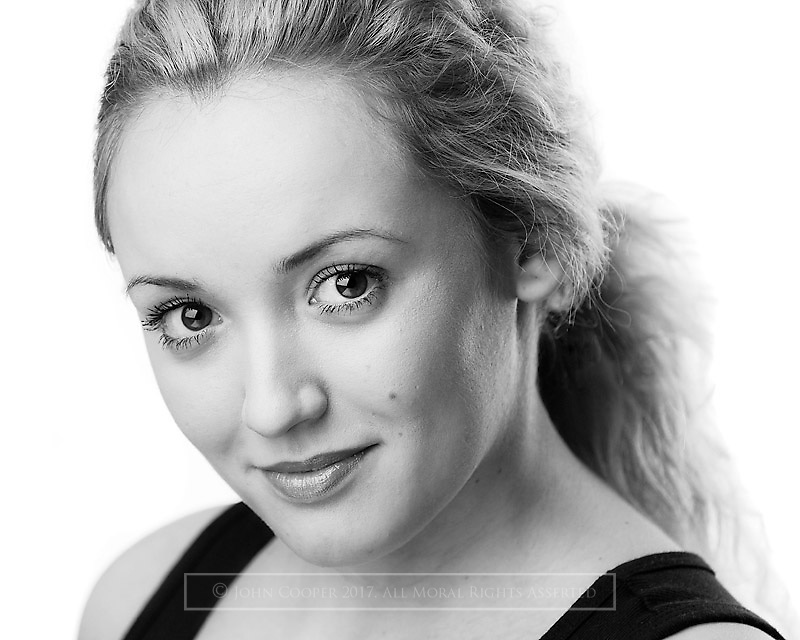 Headshot of actress Heather Wilson.