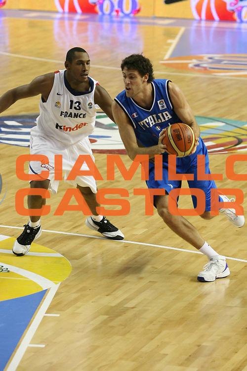 DESCRIZIONE : Alicante Spagna Spain Eurobasket Men 2007 Francia Italia France Italy <br /> GIOCATORE : Angelo Gigli <br /> SQUADRA : Nazionale Italia Uomini <br /> EVENTO : Eurobasket Men 2007 Campionati Europei Uomini 2007 <br /> GARA : Francia Italia France Italy <br /> DATA : 04/09/2007 <br /> CATEGORIA : Palleggio <br /> SPORT : Pallacanestro <br /> AUTORE : Ciamillo&amp;Castoria/G.Ciamillo <br /> Galleria : Eurobasket Men 2007 <br /> Fotonotizia : Alicante Spagna Spain Eurobasket Men 2007 Francia Italia France Italy <br /> Predefinita :