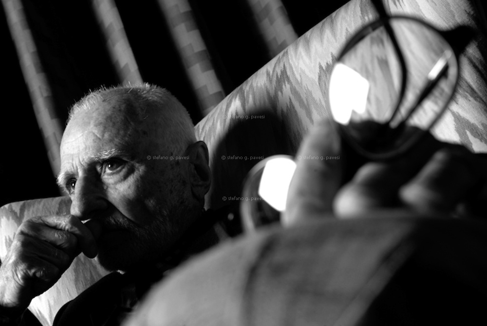 Film director Mario Monicelli