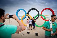 RIO DE JANEIRO - Het strand aan de Copacabana in Rio de Janeiro. In de Braziliaanse hoofdstad vinden dit jaar de Olympische Spelen plaats. ANP ROBIN UTRECHT