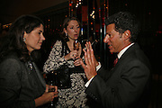 KIMBERLEY QUINN, , KATHERINE RAINBIRD, JONATHAN HEILBRON, Drinks party to launch a new Thomas Pink shirt called The Mogul which has a pocket which houses one's cigar. Hostyed by the Spectator and Thomas Pink. Floridita. Wardour St. London. 1 November 2006. -DO NOT ARCHIVE-© Copyright Photograph by Dafydd Jones 66 Stockwell Park Rd. London SW9 0DA Tel 020 7733 0108 www.dafjones.com