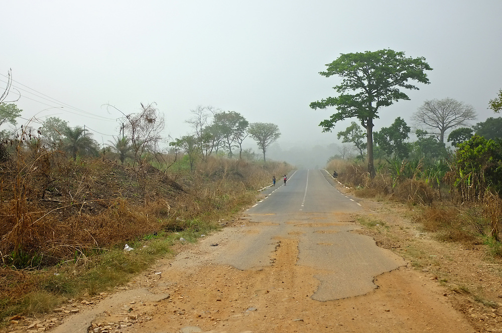 TOGO  13-02-02   -  A recently paved road, built by the Chinese, ends near Kpalime, Togo. Photo by Daniel Hayduk