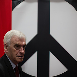 © Licensed to London News Pictures . 28/09/2016 . Liverpool , UK . JOHN MCDONNELL touring the exhibition during the final day of the Labour Party Conference at the ACC in Liverpool . Photo credit : Joel Goodman/LNP