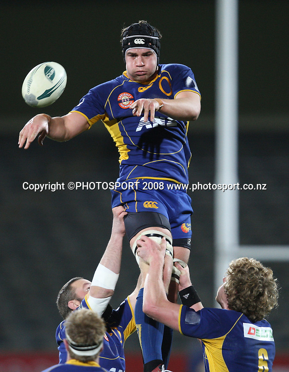 Ross Kennedy takes clean lineout ball.<br /> Air NZ Cup, Otago v Hawkes Bay, Carisbrook, Dunedin, Friday 29 August 2008. Photo: Rob Jefferies/PHOTOSPORT