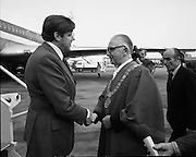 First Direct T.W.A.Flight To Dublin.    (G68)..1974..02.05.1974..05.002.1974..2nd May 1974..Today saw the first direct trans-Atlantic flight direct to Dublin airport from the U.S.A. T.W.A. (Trans World Airways) were the flight operators and the aircraft used was a Boeing 707, registry number N799TW..Pictured, Mr George Burns,V.P.,Public Relations,TWA, is greeted as he disembarks from the aircraft by Mr Fred Mullen,Chairman,Dublin City Commissioners