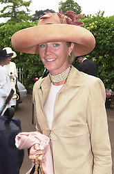 The DUCHESS OF ROXBURGHE at Royal Ascot on<br />  20th June 2000.OFN 147<br /> © Desmond O'Neill Features:- 020 8971 9600<br />    10 Victoria Mews, London.  SW18 3PY <br /> www.donfeatures.com   photos@donfeatures.com<br /> MINIMUM REPRODUCTION FEE AS AGREED.<br /> PHOTOGRAPH BY DOMINIC O'NEILL