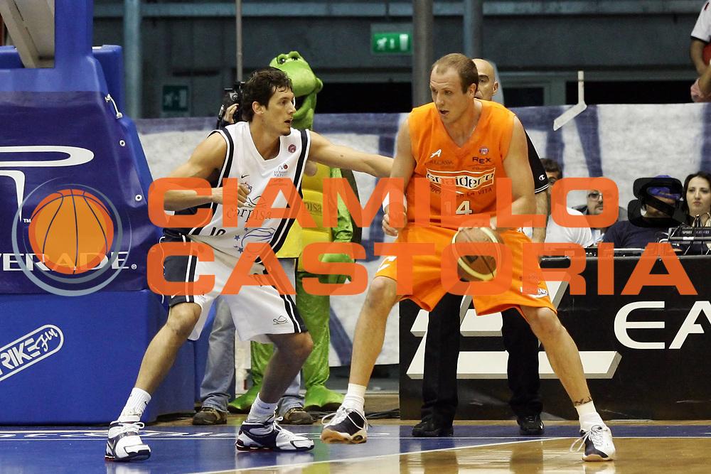 DESCRIZIONE : Napoli Lega A1 2005-06 Play Off Quarti Finale Gara 1 Carpisa Napoli Snaidero Udine<br /> GIOCATORE : Jaacks<br /> SQUADRA : Snaidero Udine<br /> EVENTO : Campionato Lega A1 2005-2006 Play Off Quarti Finale Gara 1 <br /> GARA : Carpisa Napoli Snaidero Udine <br /> DATA : 18/05/2006 <br /> CATEGORIA : Palleggio <br /> SPORT : Pallacanestro <br /> AUTORE : Agenzia Ciamillo-Castoria/A. De Lise