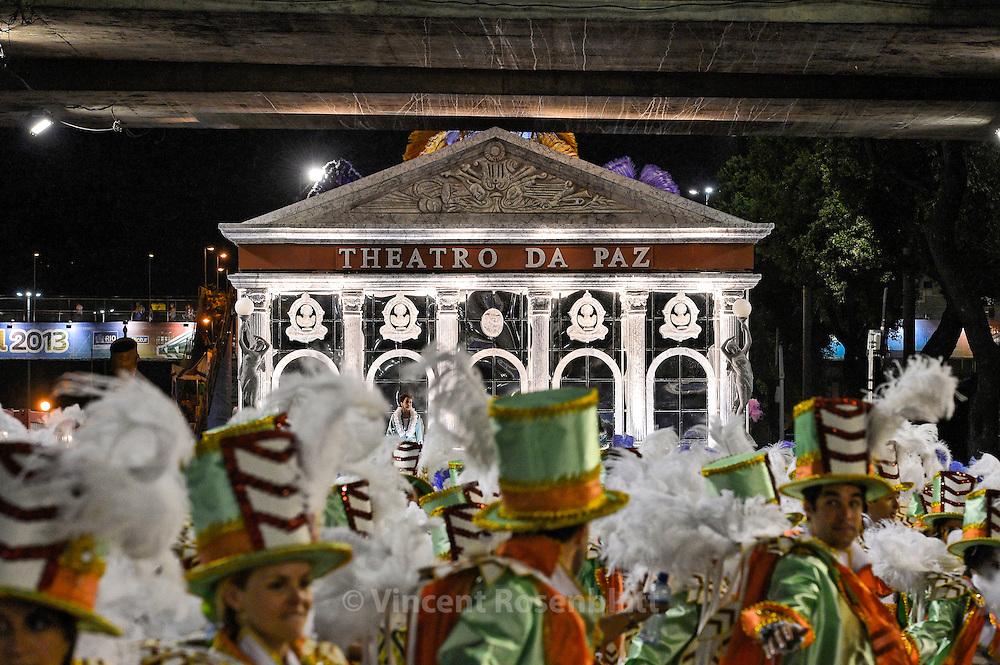 """""""Teatro da Paz"""" from Belém, replica for Rio Carnival. Imperatriz Leopoldinense Samba School portrays the Amazon state of Pará for the 2013 edition."""