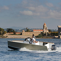 SMARTBOAT 23. NEW POWERBOAT GENERATION-GREEN BOAT_ LESS POWER, LESS WAVE, LESS FUEL, LESS NOISE, MORE FUN, MORE RESPECT
