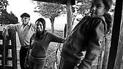 Javier Calvelo/ URUGUAY/ SALTO/ La Ruta de la Lana - Salto - Pueblo Cayetano 130 km de la ciudad / Proyecto documental acerca de las actividades relacionadas a la produccion lanera en Uruguay/ Visitamos la casa de Henry Fernandez Souza, su esposa Yusara y sus hijas Marisol y Camila en la localidad proxima a Pueblo Fernandez al norte de la ruta 31 a 130 km de la ciudad de Salto. Fernandez arrienda un predio de 300 hectareas donde tiene cerca de 1300 ovejas de la raza Merino fino y 50 vacas de pastores (es decir arrendadas para pastorear). <br /> En la foto:  Casa de la familia Fernandez Souza en cerca de Pueblo Cayetano. Foto: Javier Calvelo / adhocfotos<br /> 2013-04-12 dia viernes<br /> adhocFotos