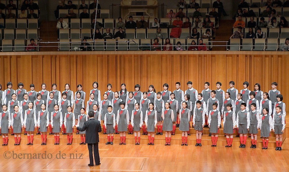 Children and Young Women Chorus of the China National Symphony Orchestra during a performance at the National Centre for performing Arts in Beijing, China. Friday 25 of January 2008. Photos: Bernardo De Niz.