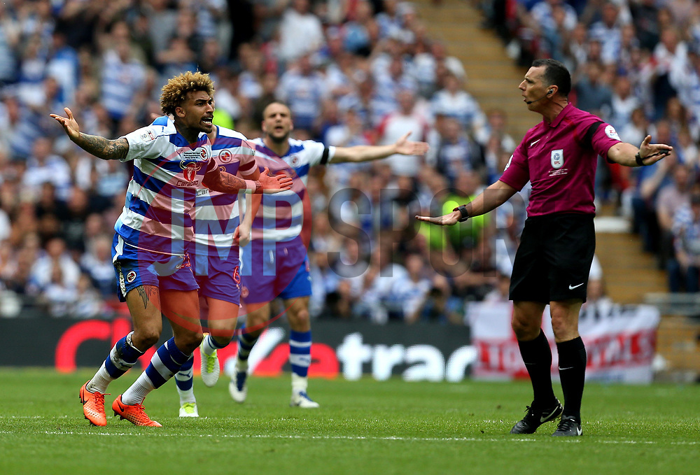 Daniel Williams of Reading complains to the referee - Mandatory by-line: Robbie Stephenson/JMP - 29/05/2017 - FOOTBALL - Wembley Stadium - London, England - Huddersfield Town v Reading - Sky Bet Championship Play-off Final