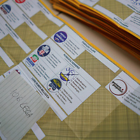 Elezioni politiche 2018 spoglio delle schede elettorali in un seggio di Collegno (TO)