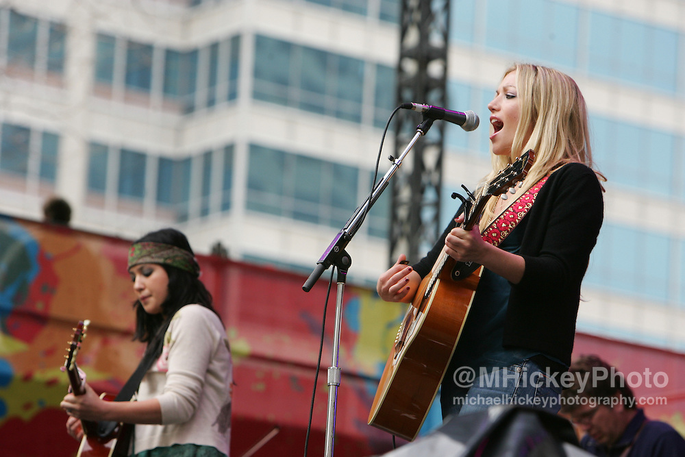 Jessica Harp of The Wreckers performs at the MyCokefest concert in Indianapolis, Indiana on April 2, 2006. Photo by Michael Hickey
