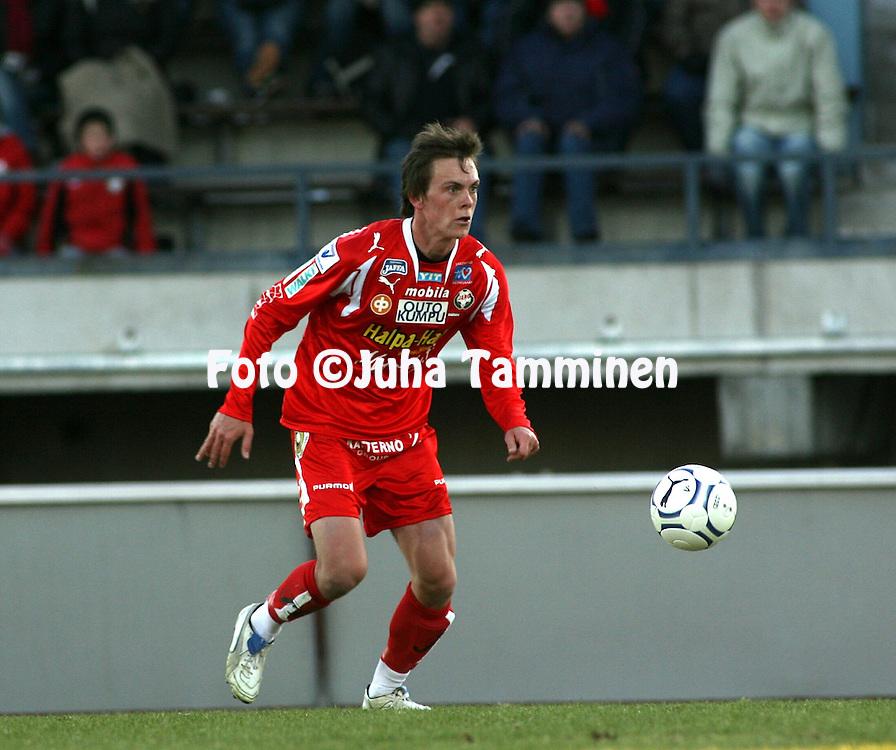 30.04.2007, Pietarsaari, Finland..Veikkausliiga 2007 - Finnish League 2007.FF Jaro - IFK Mariehamn.Jens Portin - Jaro.©Juha Tamminen.....ARK:k