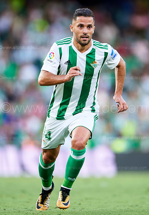 SEVILLE, SPAIN - SEPTEMBER 16:  Riza Durmisi of Real Betis Balompie in action during the La Liga match between Real Betis and Deportivo La Coruna  at Estadio Benito Villamarin on September 16, 2017 in Seville, .  (Photo by Aitor Alcalde Colomer/Getty Images)