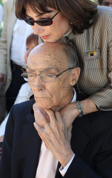 Portuguese Nobel writer Jose Saramago with his spanish wife Pilar Del Rio during a homage from saramago's home village Azinhaga (Goleg&Atilde;&pound;)<br /> Foto Paulo Cunha