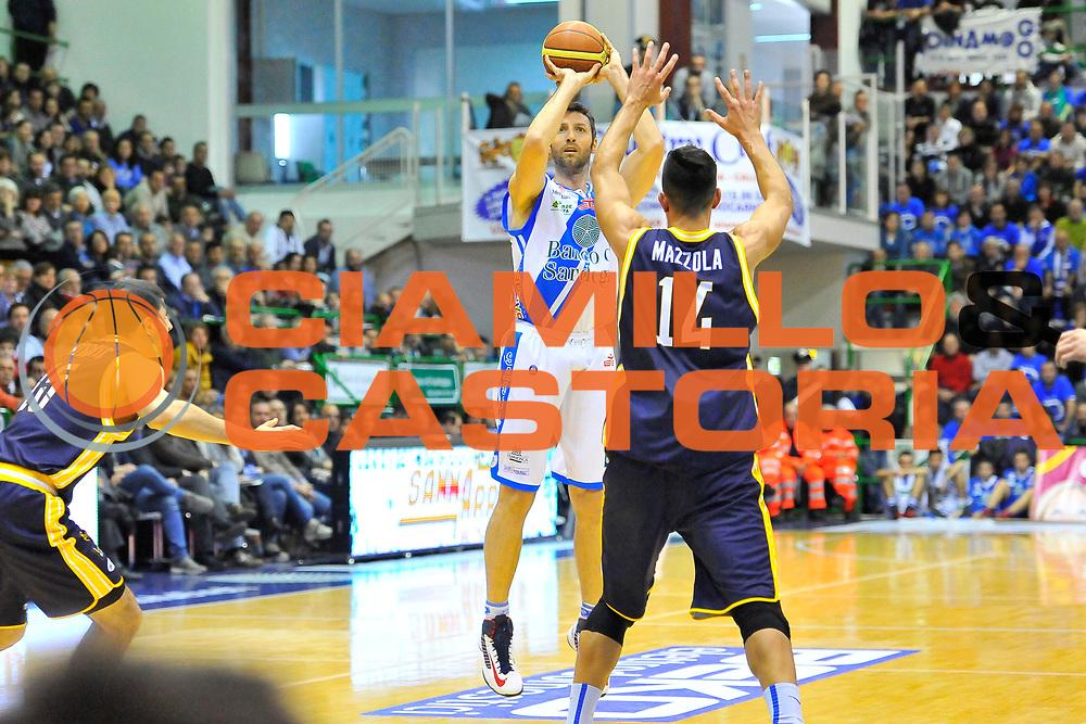 DESCRIZIONE : Campionato 2013/14 Dinamo Banco di Sardegna Sassari - Sutor Montegranaro<br /> GIOCATORE : Manuel Vanuzzo<br /> CATEGORIA : Tiro Tre Punti<br /> SQUADRA : Dinamo Banco di Sardegna Sassari<br /> EVENTO : LegaBasket Serie A Beko 2013/2014<br /> GARA : Dinamo Banco di Sardegna Sassari - Sutor Montegranaro<br /> DATA : 30/03/2014<br /> SPORT : Pallacanestro <br /> AUTORE : Agenzia Ciamillo-Castoria / Luigi Canu<br /> Galleria : LegaBasket Serie A Beko 2013/2014<br /> Fotonotizia : Campionato 2013/14 Dinamo Banco di Sardegna Sassari - Sutor Montegranaro<br /> Predefinita :