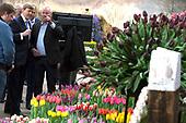 Koning Willem Alexander opent Lentetuin Breezand
