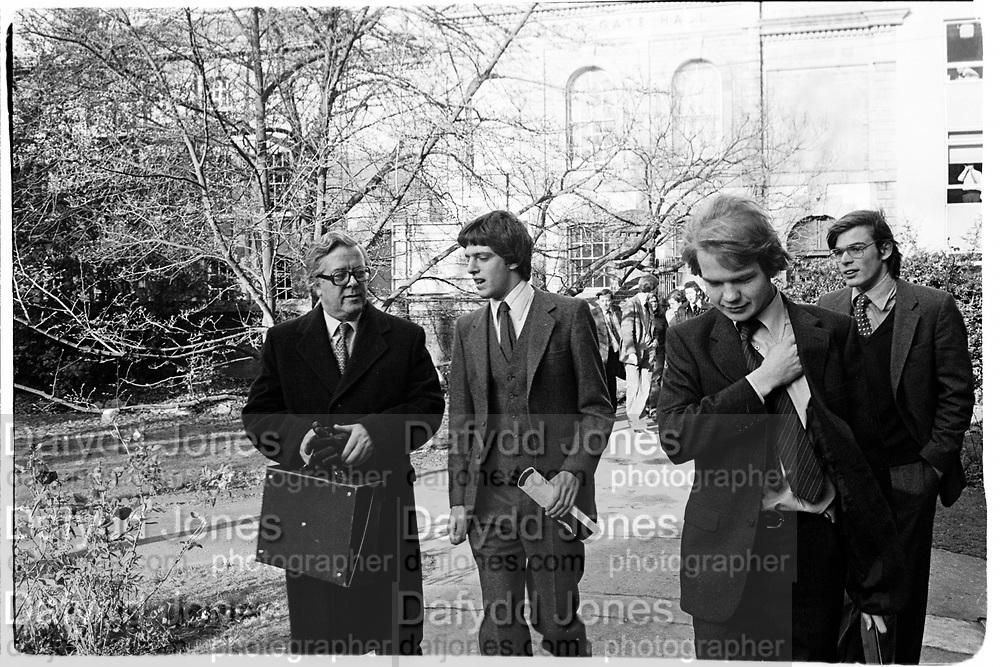 Geoffrey Howe, Guy Hands and William Hague. Oxford 1980. © Copyright Photograph by Dafydd Jones 66 Stockwell Park Rd. London SW9 0DA Tel 020 7733 0108 www.dafjones.com