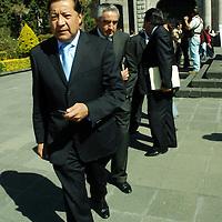 Toluca, Mex.- José Castillo Ambriz, presidente del Tribunal Superior de Justicia del estado, a la salida de la Cámara de Diputados, después de entregarle a Juan Carlos Núñez Armas, presidente de la Junta de Coordinación Política de la LVI legislatura, las iniciativas de ley en el ámbito de justicia. Agencia MVT / José Hernández. (DIGITAL)<br /> <br /> <br /> <br /> NO ARCHIVAR - NO ARCHIVE