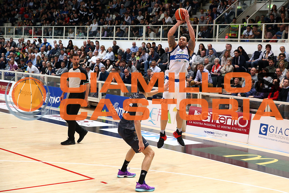 Burns Christian<br /> Dolomiti Energia Trentino vs Germani Basket Brescia<br /> Lega Basket Serie A 2016/2017<br /> Trento, 23/04/2017<br /> Foto Ciamillo-Castoria/A. Gilardi