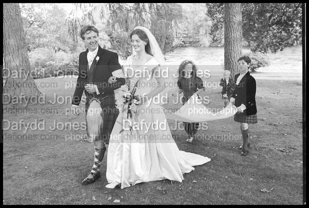 Wedding of Miranda Fox-Pitt; hon Peregrine Moncrieffe, Dunfeld Cathedral. 27 July 1988. SUPPLIED FOR ONE-TIME USE ONLY> DO NOT ARCHIVE. © Copyright Photograph by Dafydd Jones 248 Clapham Rd.  London SW90PZ Tel 020 7820 0771 www.dafjones.com
