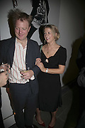 Nicholas and  Daisy Garnett , Vogue 90th birthday party and to celebrate the Vogue List, Serpentine Gallery. London. 8 November 2006. ONE TIME USE ONLY - DO NOT ARCHIVE  © Copyright Photograph by Dafydd Jones 66 Stockwell Park Rd. London SW9 0DA Tel 020 7733 0108 www.dafjones.com