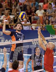 07-06-2014 NED: WLV Nederland - Portugal, Almere<br /> Een moeizame overwinning op Portugal levert Nederland twee punten op / Thomas Koelewijn, Marcel Keller