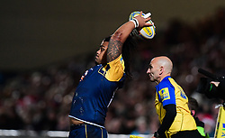 Joe Taufete'e of Worcester Warriors throws in  - Mandatory by-line: Alex Davidson/JMP - 22/12/2017 - RUGBY - Sixways Stadium - Worcester, England - Worcester Warriors v London Irish - Aviva Premiership