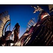 """Autor de la Obra: Aaron Sosa<br /> Título: """"Serie: Carnavales de Ciudad de Panamá""""<br /> Lugar: Ciudad de Panamá - Panamá<br /> Año de Creación: 2012<br /> Técnica: Captura digital en RAW impresa en papel 100% algodón Ilford Galeríe Prestige Silk 310gsm<br /> Medidas de la fotografía: 33,3 x 22,3 cms<br /> Medidas del soporte: 45 x 35 cms<br /> Observaciones: Cada obra esta debidamente firmada e identificada con """"grafito – material libre de acidez"""" en la parte posterior. Tanto en la fotografía como en el soporte. La fotografía se fijó al cartón con esquineros libres de ácido para así evitar usar algún pegamento contaminante.<br /> <br /> Precio: Consultar<br /> Envios a nivel nacional  e internacional."""