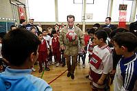 """23 APR 2006, BERLIN/GERMANY:<br /> Franz Muentefering, SPD, Bundesarbeitsminister, spielt Fussball, waehrend dem Besuch des Kiez-Fussballturniers """"Xhain kickt"""", 3. SPD Fussballturnier fuer E-Jugend mit acht Mannschaften aus Friedrichshain-Kreuzberg, Lobeckhalle, Berlin-Kreuzberg<br /> IMAGE: 20060423-01-011<br /> KEYWORDS: Fußball, Jugendliche, Kinder, Amateurfussball, spielen"""