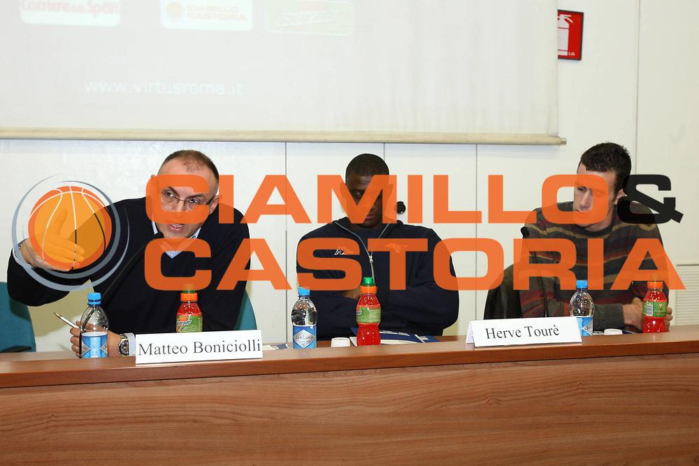 DESCRIZIONE : Roma Lega A 2009-10 IV Corso di Formazione Obiettivo Giovani Lottomatica Virtus Roma Modulo 3<br /> GIOCATORE : Matteo Boniciolli<br /> SQUADRA : Lottomatica Virtus Roma<br /> EVENTO : Campionato Lega A 2009-2010 <br /> GARA : <br /> DATA : 01/03/2010<br /> CATEGORIA : Ritratto<br /> SPORT : Pallacanestro <br /> AUTORE : Agenzia Ciamillo-Castoria/GiulioCiamillo<br /> Galleria : Lega Basket A 2009-2010 <br /> Fotonotizia : Roma Campionato Italiano Lega A 2009-2010 Lottomatica Virtus Roma Modulo 3<br /> Predefinita :