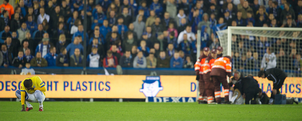 BRUGES, BELGIUM - Thursday, October 20, 2011: Birmingham City's Guirane N'daw is visably shaken after seeing team-mate Pablo Ibanez knocked unconscious during the UEFA Europa League Group H match against Club Brugge at the Jan Breydelstadion. (Pic by David Rawcliffe/Propaganda)