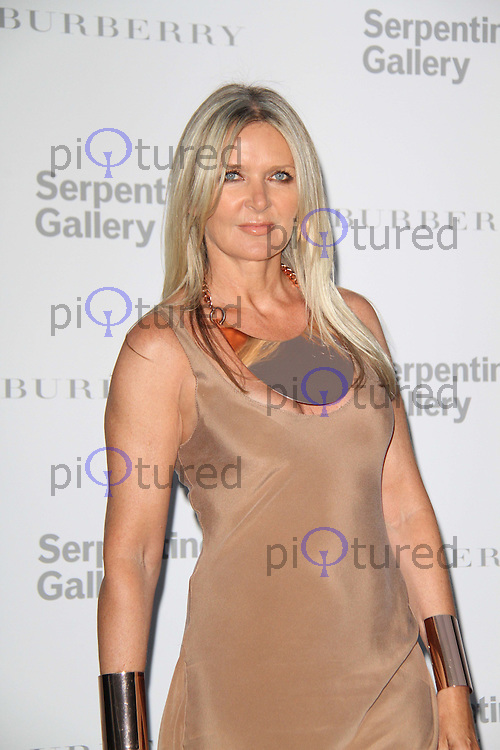 Amanda Wakeley The Serpentine Gallery Summer Party 2011 with Burberry, Kensington Gardens, London, UK, 28 June 2011:  Contact: Rich@Piqtured.com +44(0)7941 079620 (Picture by Richard Goldschmidt)