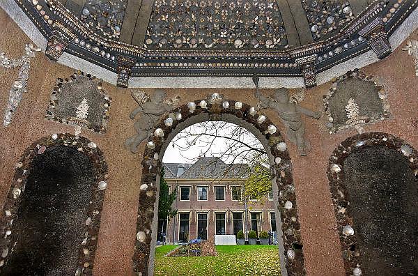 Nederland, Zutphen, 3-12-2014De opleiding tot rechter is vetrokken uit Zutphen. Dit is een gevoelige klap voor de lokale economie. Het goede nieuws is dat in het grote pand door de gemeente twee musea gehuisvest gaan worden. Zicht op het pand vanuit de Schelpenpoort. SSRFOTO: FLIP FRANSSEN/ HOLLANDSE HOOGTE