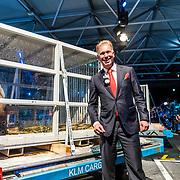 NLD/Amsterdam/20170412- Aankomst reuzenpanda's WU WEN en XING YA in Nederland, Marcel Boekhoorn en .......